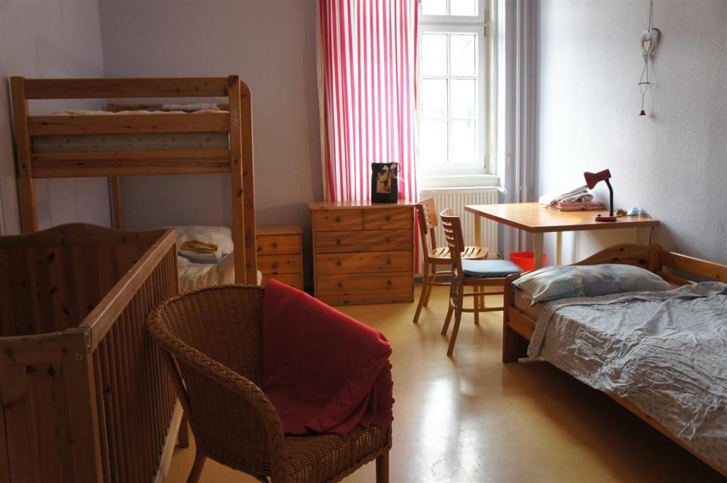 7 beispiel fuer ein zimmer fuer eine frau mit. Black Bedroom Furniture Sets. Home Design Ideas